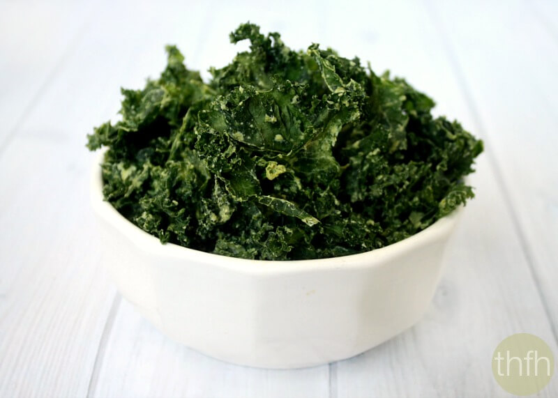 Clean Eating Jalapeno Kale Chips - Raw, Vegan, Gluten-Free, Dairy-Free, Paleo-Friendly | The Healthy Family and Home
