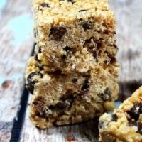 Gluten-Free Vegan Chocolate Chip Crispy Treats | The Healthy Family and Home