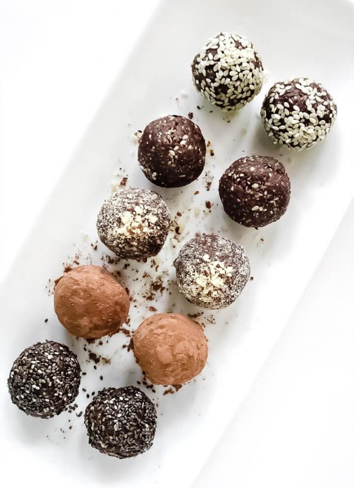 Crunchy Raw Protein Balls