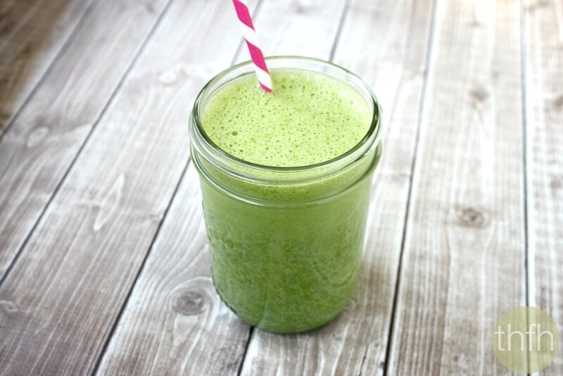 Kale and Banana Green Smoothie
