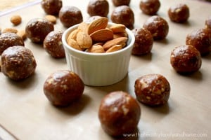 Raw Cacao Almond Balls (Raw, Vegan, Gluten-Free, Grain-Free, Dairy-Free, Paleo-Friendly, No-Bake, No Refined Sugar)