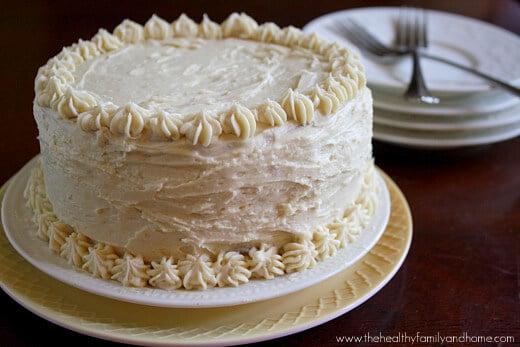 """Vanilla Vegan Birthday Cake with """"Buttercream"""" Icing"""