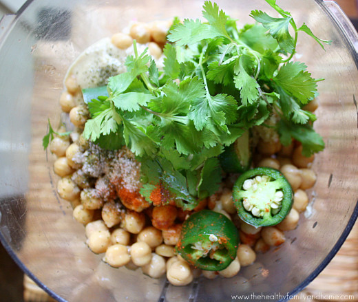 Raw-Vegan-Jalapeno-and-Lime-Hummus