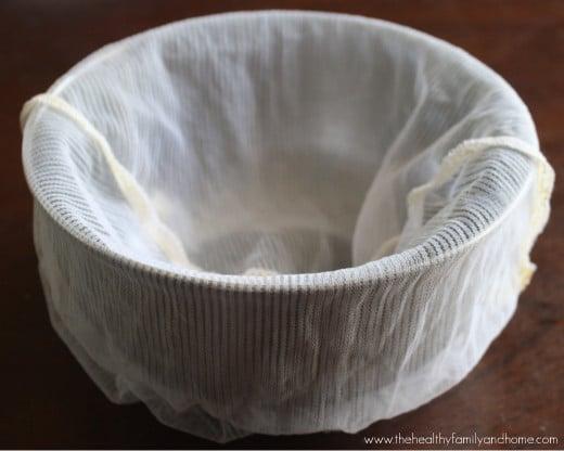 How-To-Make-Homemade-Coconut-Milk