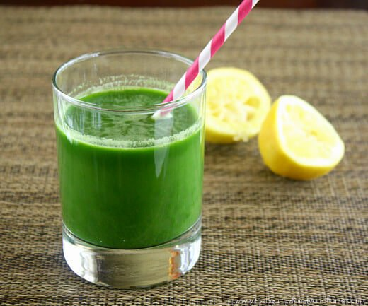Spinach-Cucumber-and-Celery-Juice-with-Omega-8005-Juicer