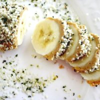 Banana and Hemp Seed Sushi Slices | The Healthy Family and Home