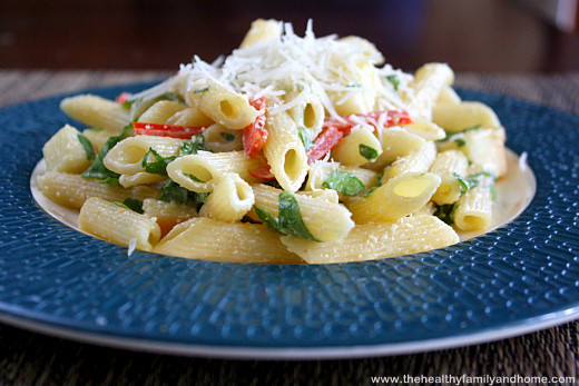 Smoked-Mozzarella-Pasta-Salad