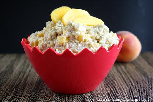 healthy-clean-eating-quinoa-and-fruit-breakfast-porridge