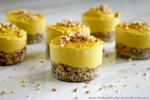 Raw-Vegan-Pumpkin-Cheesecake