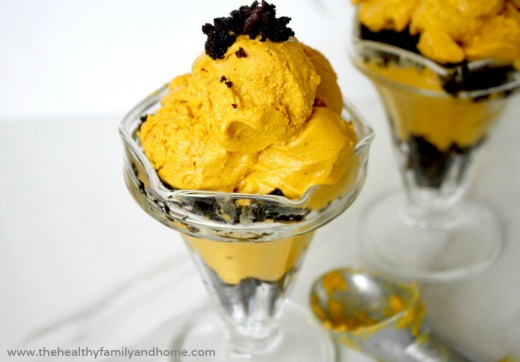 Pumpkin-Ice-Cream-and-Brownie-Parfait