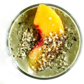 Peachy Green Smoothie | The Healthy Family and Home