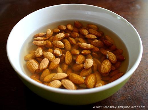How-To-Make-Homemade-Almond-Milk