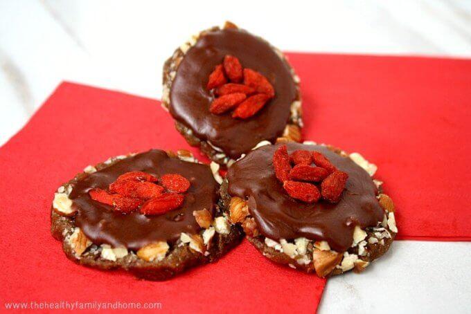 Hazelnut Caramel Clusters (Raw, Vegan, Gluten-Free, Dairy-Free, Paleo-Friendly, No Refined Sugars)