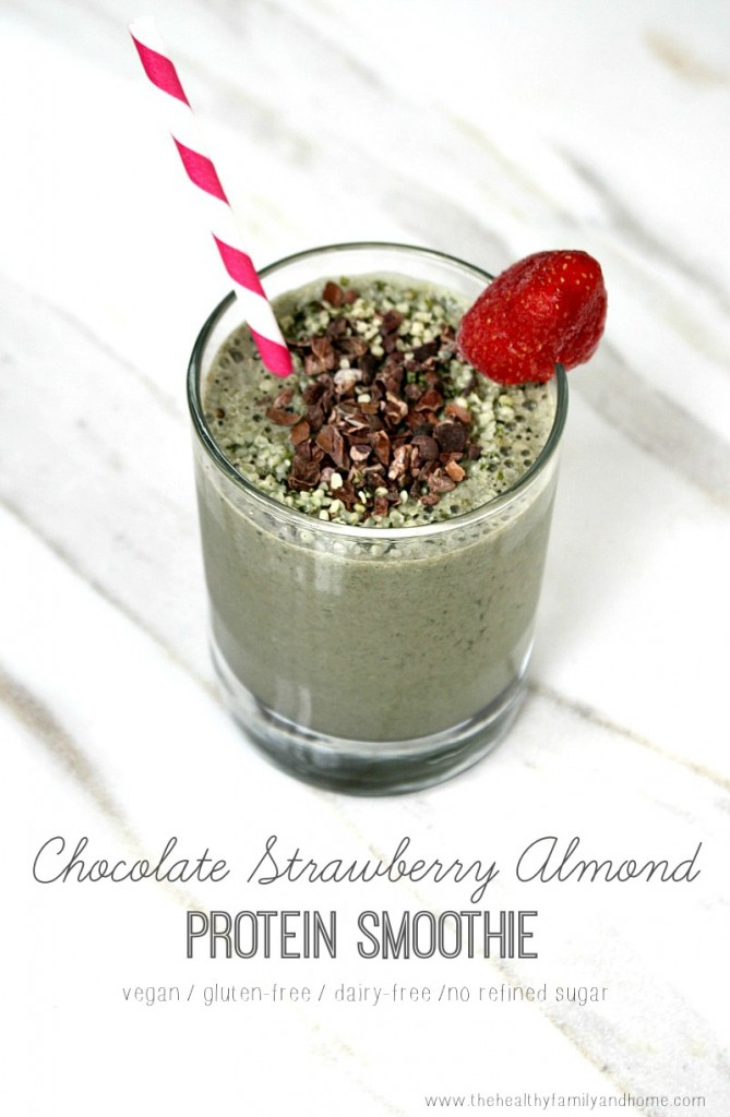 Chocolate-Strawberry-Almond-Protein-Smoothie