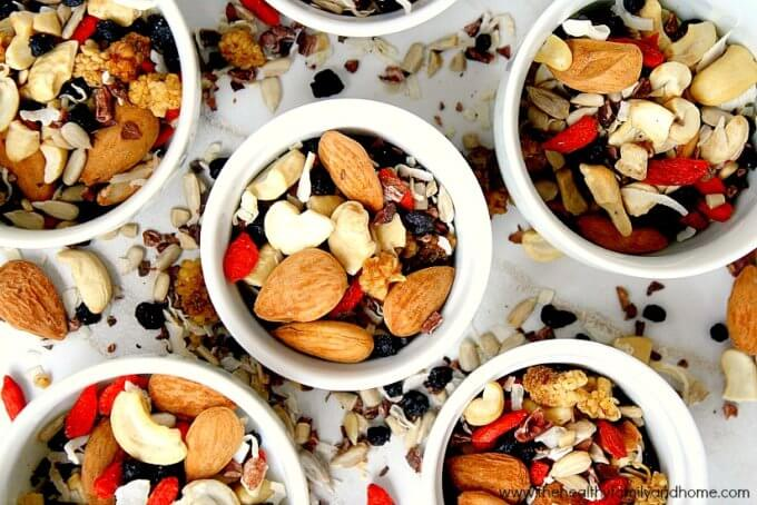 Superfood Fruit Nut and Seed Snack Mix (Raw, Vegan, Gluten-Free, Paleo-Friendly, No Refined Sugar)