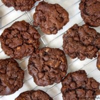 Flourless Vegan Chocolate Chip Pecan Cookies | The Healthy Family and Home