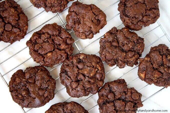 Flourless Chocolate Chip Pecan Cookies (Vegan, Gluten-Free, Dairy-Free, Paleo-Friendly)