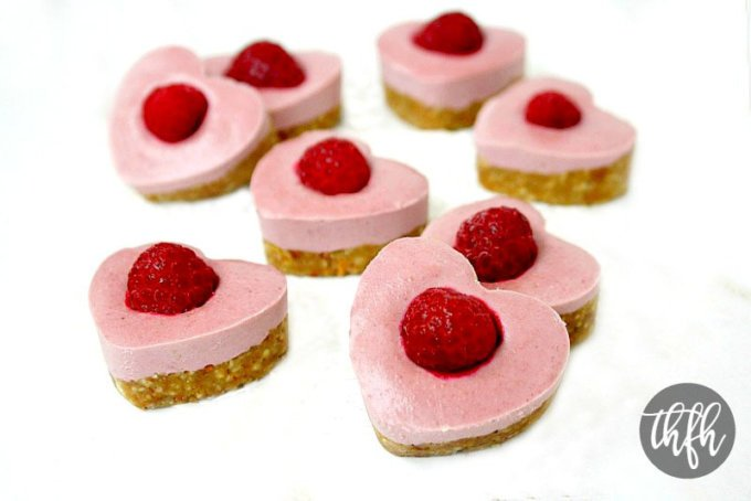 Raw Vegan Strawberry and Raspberry Cheesecake Hearts | The Healthy Family and Home