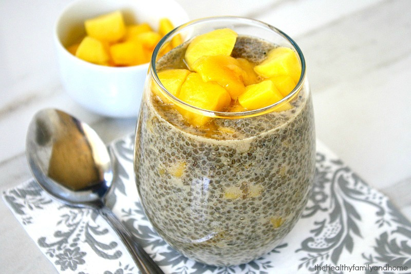 vanilla-bean-and-mango-chia-seed-pudding