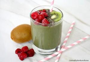 Raspberry Kiwi Smoothie (Vegan, Gluten-Free, Dairy-Free, Soy-Free, No Refined Sugar)
