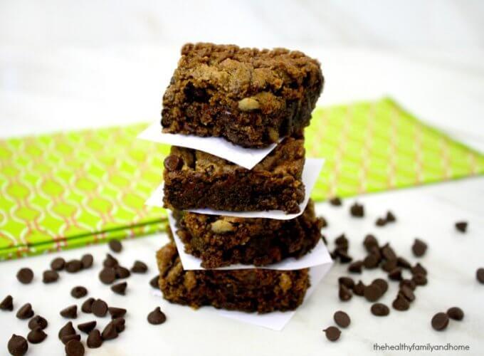 Matcha Green Tea Chocolate Chip Brownies (Vegan, Gluten-Free, Dairy-Free, Paleo-Friendly, No Refined Sugar)