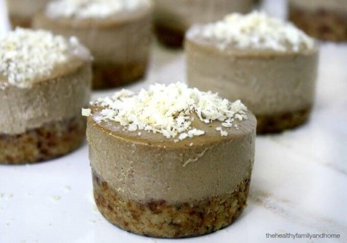 Acai Berry and Banana Mini Cheesecakes (Raw, Vegan, Gluten-Free, Dairy-Free, Paleo-Friendly, No Refined Sugar)