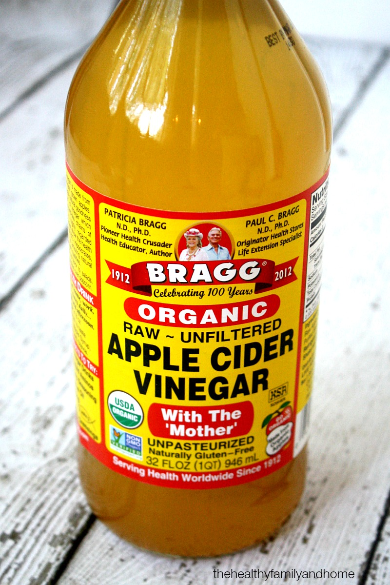 Bragg Organic Apple Cider Vinegar - The Green Polka Dot Box Review | The Healthy Family and Home