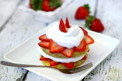 Gluten-Free Strawberry Shortcake - Vegan, Gluten-Free, Dairy-Free, Paleo-Friendly, No Refined Sugar | The Healthy Family and Home