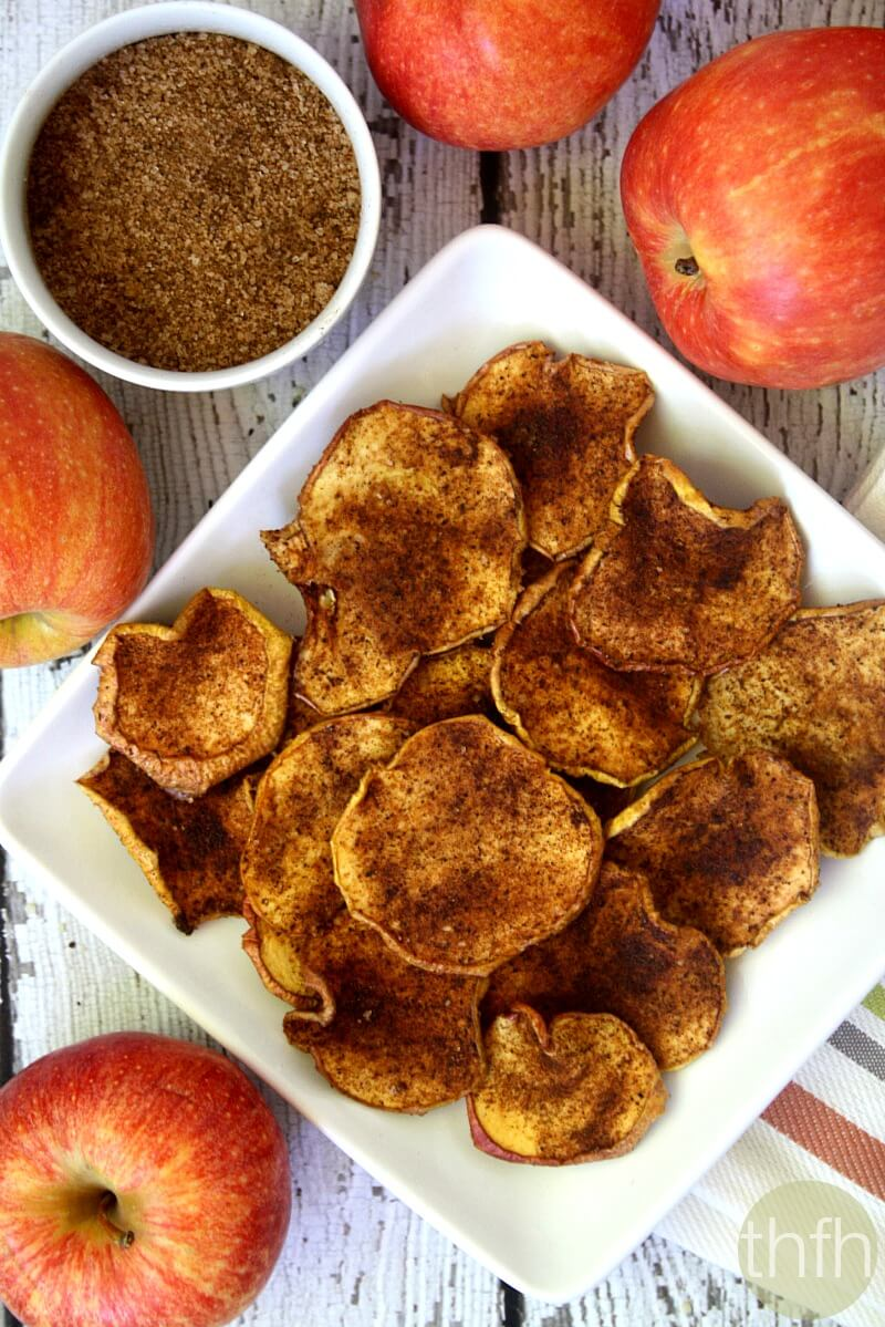 Clean Eating Cinnamon Vanilla Apple Chips - Raw, Vegan, Gluten-Free, Dairy-Free, Paleo,, No Refined Sugar | The Healthy Family and Home