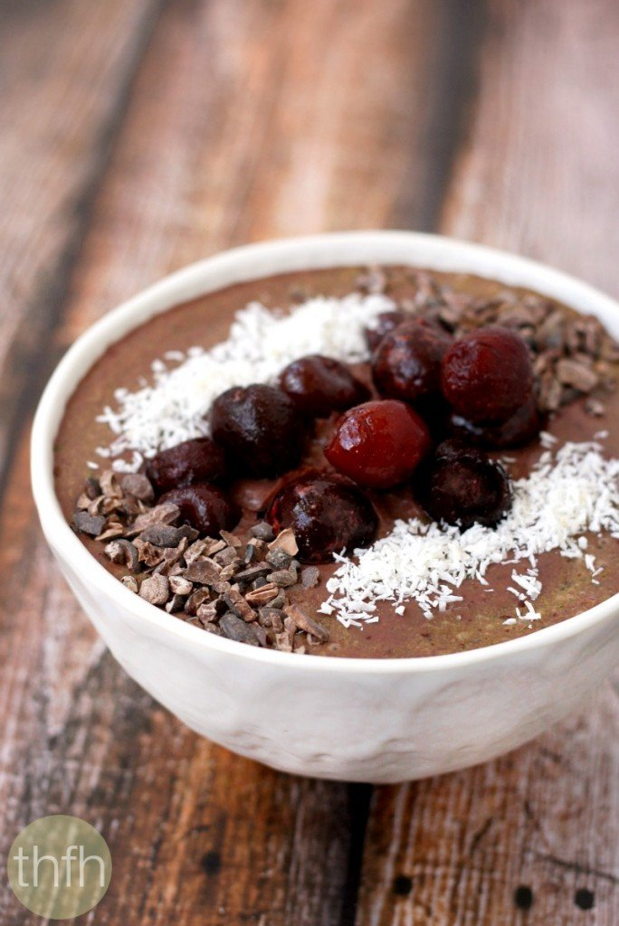 dark-cherry-and-acai-berry-smoothie-bowl