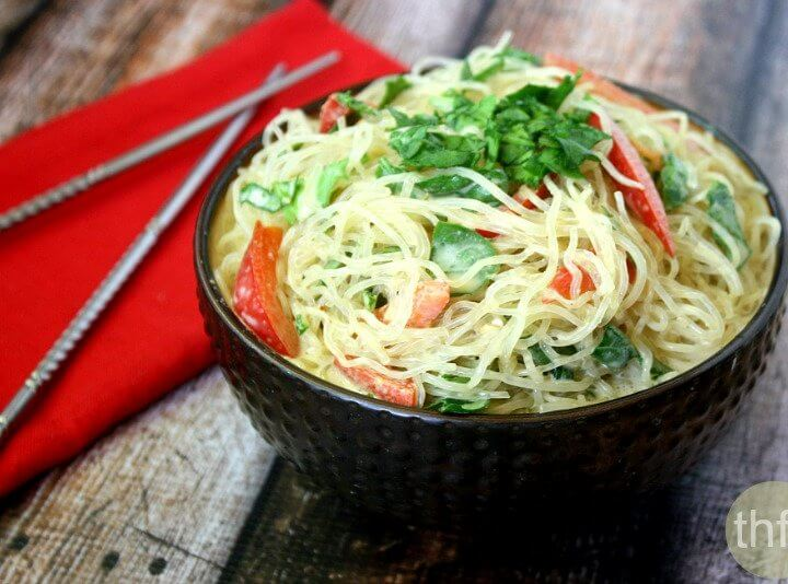 Kelp Noodles with Spicy Peanut Sauce