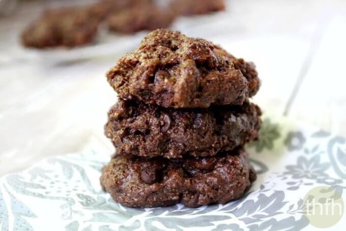 Flourless Chocolate Fudge Mint Cookies (Vegan, Gluten-Free, Dairy-Free, Egg-Free, Paleo-Friendly, No Refined Sugar)