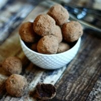 Gluten-Free Vegan Chocolate Fudge Truffles | The Healthy Family and Home