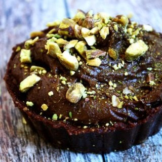 Raw Vegan Chocolate Pudding Tarts   The Healthy Family and Home