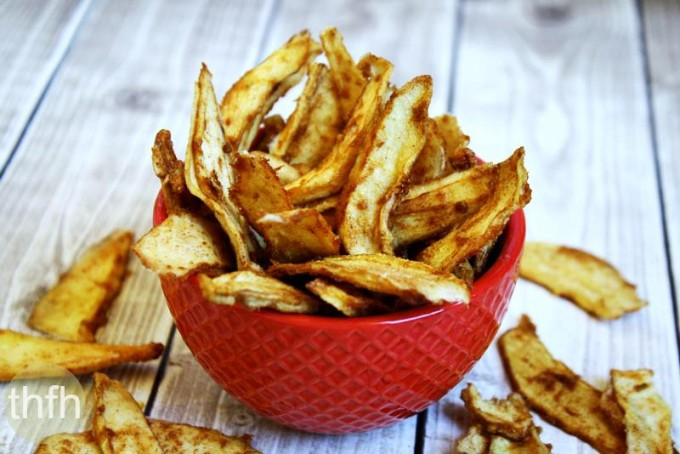 Raw Vegan Cinnamon Sugar Pear Chips (Raw, Vegan, Gluten-Free, Dairy-Free, Nut-Free, Paleo-Friendly, No Refined Sugar)