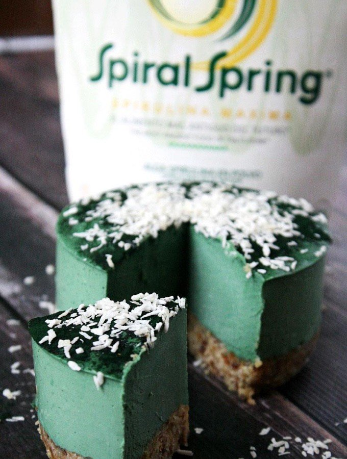 Raw Vegan No-Bake Spirulina Cheesecake with Spiral Spring Spirulina Maxima