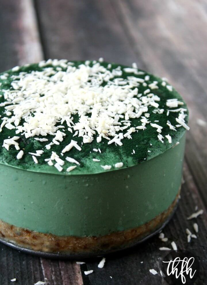 Raw Vegan No-Bake Spirulina Cheesecake with Spiral Spring Spirulina Maxima