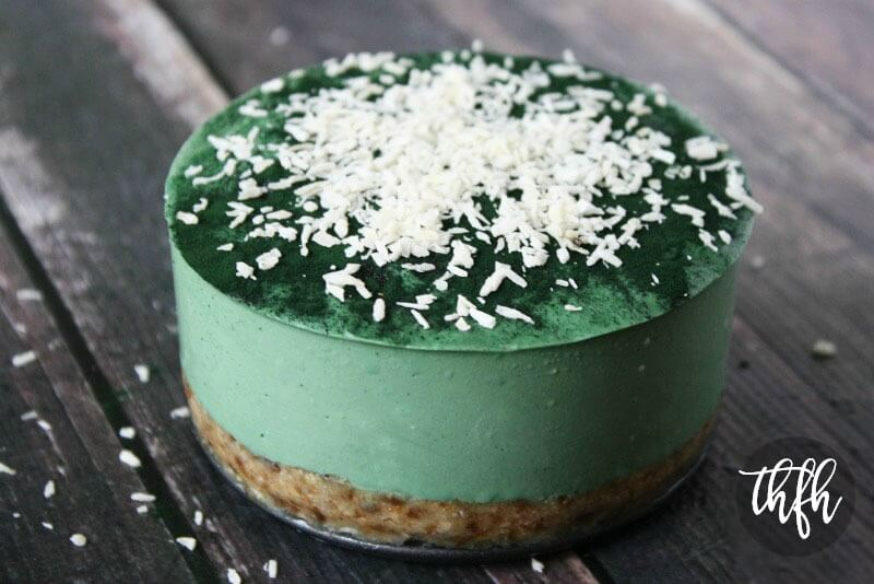Raw Vegan Spirulina Cheesecake with Spiral Springs Spirulina Maxima | The Healthy Family and Home