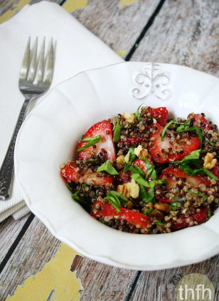 Strawberry and Spinach Quinoa Salad with Balsamic Vinegar