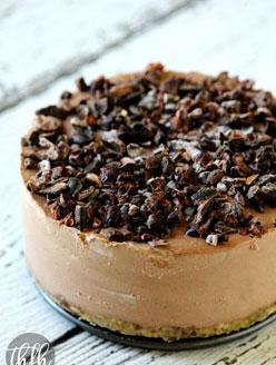 Raw Vegan Chocolate Banana No-Bake Cheesecake