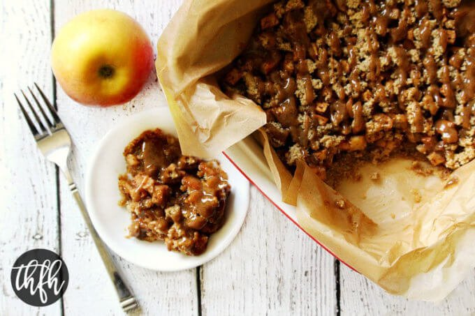 Gluten-Free Vegan Apple Crumble with Caramel Sauce (Vegan, Gluten-Free, Dairy-Free, Grain-Free, Flourless, Egg-Free, Paleo-Friendly, No Refined Sugar)