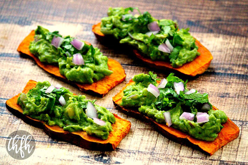 """Gluten-Free Vegan Oven-Baked Sweet Potato """"Toast"""" with Spicy Guacamole 
