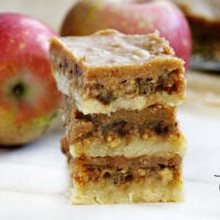 Gluten-Free Vegan No-Bake Caramel Apple Bars | The Healthy Family and Home