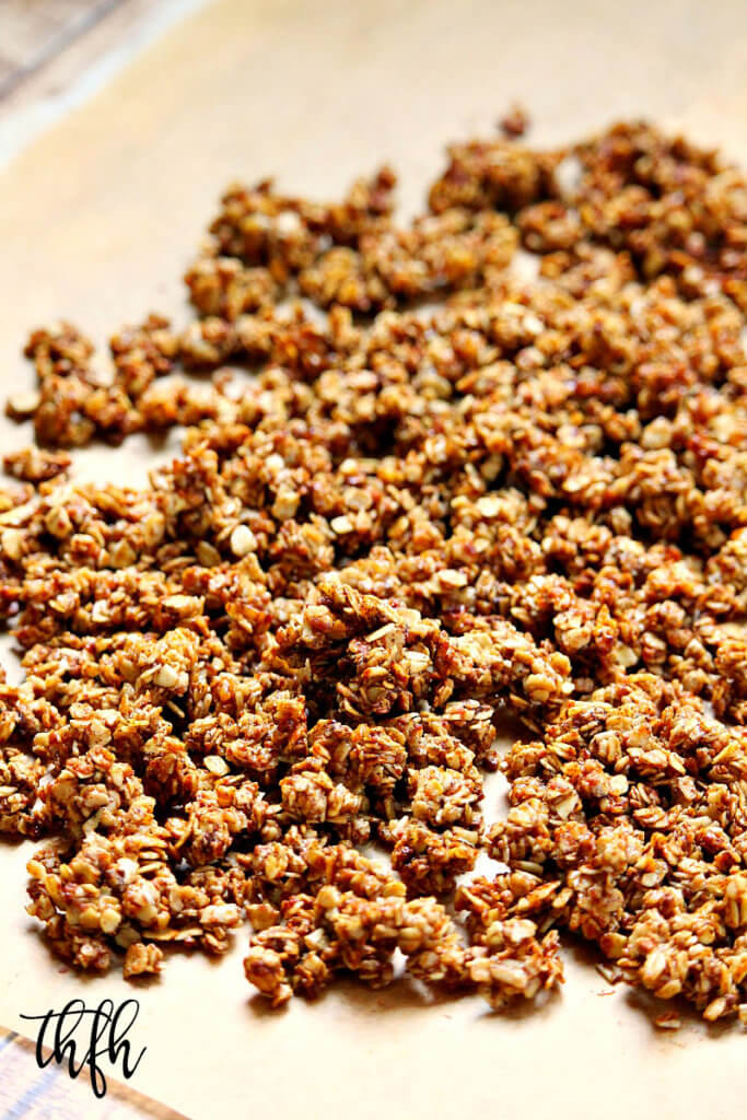 Gluten-Free Vegan Vanilla Bean and Cinnamon Homemade Granola | The Healthy Family and Home