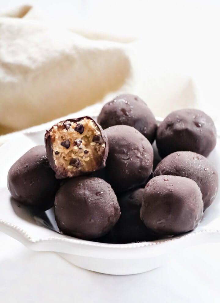 Gluten-Free Vegan No-Bake Chocolate Chip Cookie Dough Balls